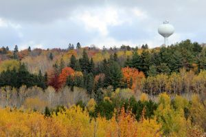 Duluth's fading colors by Treekami