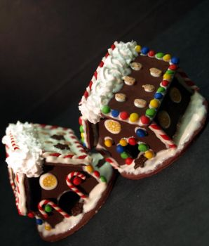 Miniature Gingerbread Houses by ChocolateDecadence