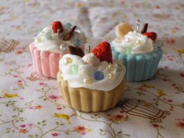 +S.O.A.: cupcakes trio charms+ by BloodyPhoenix