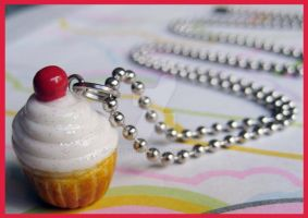 Cream Cupcake Necklace by cherryboop