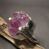 Raw Amethyst ring by Jealousydesign