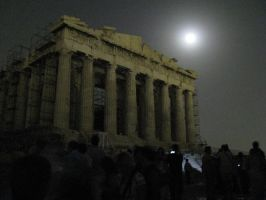 Acropolis at night by aiolos01