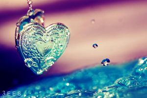 Heart splash ... by aoao2