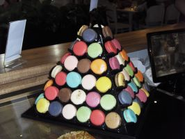 Macarons Pyramid by Gexon