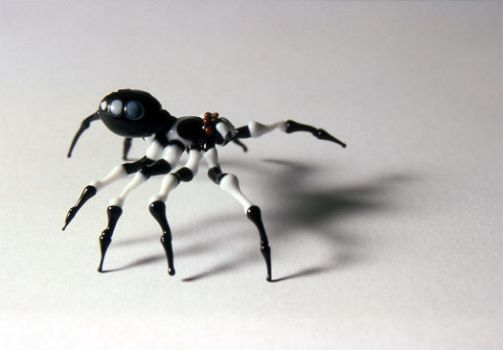 Flameworked Arachnid I by catchymuffin
