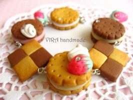 Cute cookie charm bracelet by virahandmade