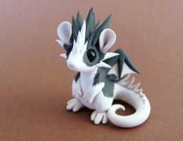 Dragon-rat up for auction by DragonsAndBeasties