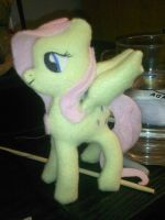 Fluttershy by russkyguy1917