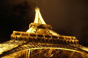 The Eiffel Tower by Emsoble