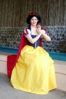 Kami-Con - The Fairest (Snow White) by katyanoctis