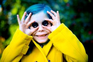 Alice in a Coraline Cosplay by Mcosplay