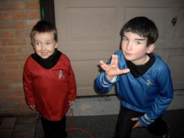 Baby Spock and Baby Scotty by holls