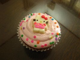 Hello Kitty Cupcakes by meechan