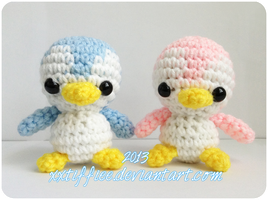 Baby Penguin Couple 2 by xxtiffiee