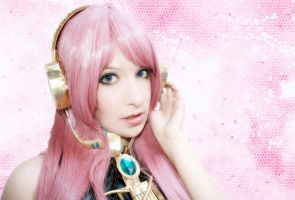 Crystalized Sound- Luka by usagiyuu
