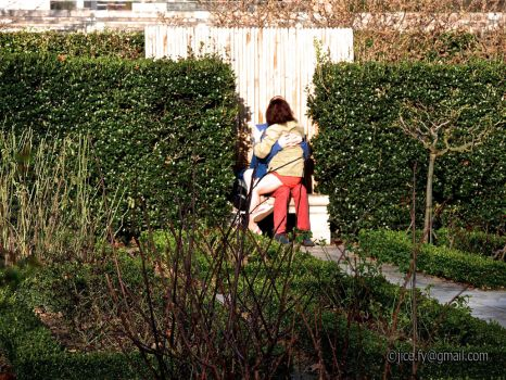 Couple in Bercy park by orphoe