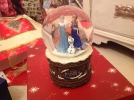 What I had for Christmas 3 - frozen snow globe :D by alucardserasfangirl