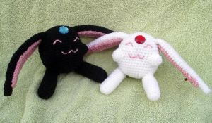 Pair of Mokona Amigurumis by KasumiAngel