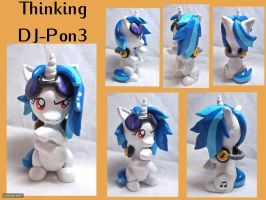 Thinking Vinyl Scratch Sculpture by CadmiumCrab