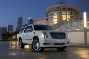 09 Cadillac Escalade Platinum by TheCarloos