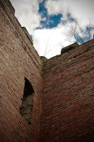 Squires Castle - Courtyard by XeoPhoto