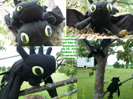Toothless Plushies Again by DragonStomp