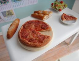 Miniature Pizza 1:12 Scale by LittleSweetDreams