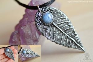 Leaf Necklace| Woodland polymer clay jewelry by Crystarbor
