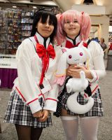 Homura and Madoka by EriTesPhoto