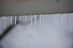 Icicles 0001 by poeticthnkr