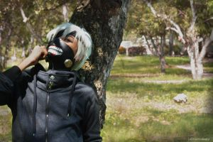 Kaneki Cosplay (Photography) by darkninja238