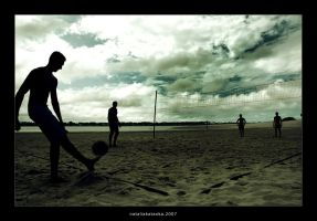 beach soccer. by LaDanseuse
