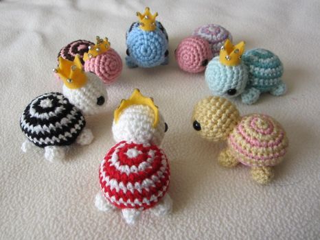 Mini Crocheted Turtles by aphid777