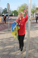 Scouting helps with the flag on kingsday by slingeraar