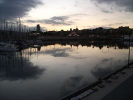 Reflecting the docks by Dickywebster