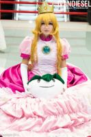 Princess Peach by PrisCosplay