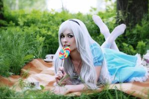 Alice in Wonderland by LienSkullova