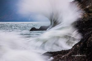Crashing Waves by sergey1984