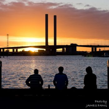Sunset under the Bolte by jpang