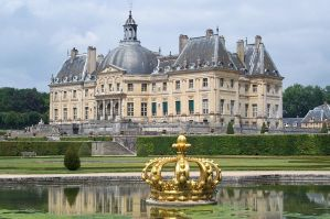 Chateau Vaux-le-Vicomte by jigcardgallery