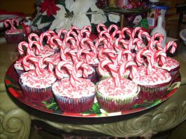 Candy Cane Cupcakes by Gamekirby