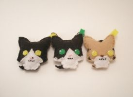Kitty Keychains by starry-eyedkid