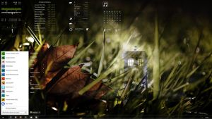 My April 2013 Desktop by EvroMalarkey