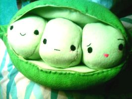 Three Little Peas by katurkeyg