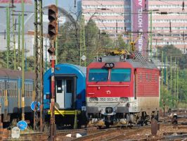 350 003 in Budapest by morpheus880223