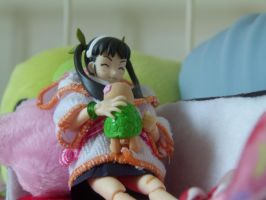 Mayoi and her turtle by amandalkm
