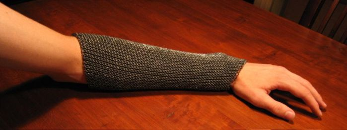 Heavy chainmail bracer. by Xzorby