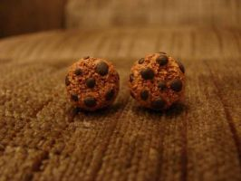 Chocolate Chip Cookie Earrings by yobanda