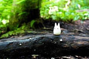 Chibi-totoro on a forest walk by MemiorsOfAnOtaku