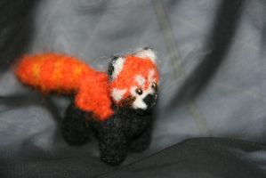 Red panda viev 1 by Mamazoya